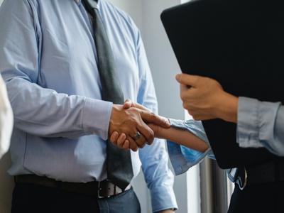 Corporate Secretary Necessary When Getting Import Licenses